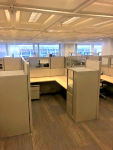 Lot Of 2 Cubicle partition W Glass By Steelcase Kick 5 5ft X 7 5ft