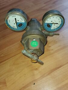 Used Linde Union Carbide Corp R 64 Pressure Regulator