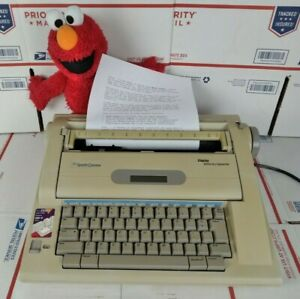 Smith corona Na3hh Portable Typewriter Display Dictionary Electric Working Great