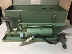 Ashcroft 1305 b Portable Dead Weight Tester W Weight Plates Cases