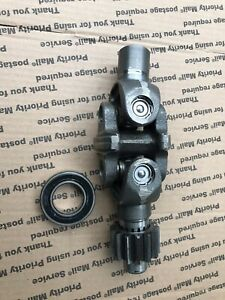 Mitsubishi Satoh Beaver S370 M372 Front 4x4 Axle U joint Knuckle Drive Assembly