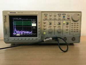 Tektronix Oscilloscope Tds724c 500mhz 1gs s In Perfect Working Condition