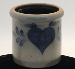 """1992 Rowe Pottery Crock Small Blue Heart 4 1 2"""" T And 4 1 4"""" W ."""