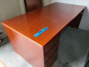 72 5 Wide Wooden Office Desk With 3 Drawers Used In Good Cond Pick Up Only