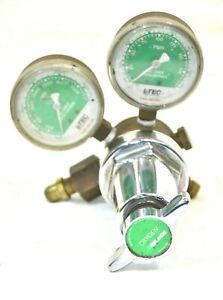 Linde R 76 8702 Trimline Oxygen Regulator 150 540 0 3500 0 175 Psig Gauges
