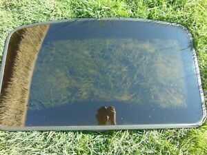 92 95 Toyota Paseo Sunroof Moon Roof Manual Pop up Glass Assembly
