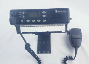 Motorola Gtx Model M11ugd6cu1an 800mhz Trunking Mobile Radio With Mic And Stand