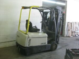 Clark L p 5 000 Lb Pneumatic Forklift With 3 Stage Mast Side Shifter Low Hour