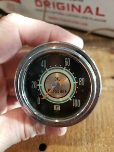Stewart Warner Green Line 2 1 16 Inch Oil Pressure Gauge 100 Psi