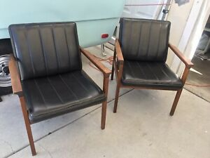 Jack Cartwright Pair Of Mcm Danish Style Walnut Faux Black Leather Arm Chairs