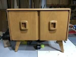 Heywood Wakefield Record Cabinet In Champagne
