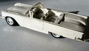 Vintage 1960 T bird Convertible Amt White 1 25 Dealer Promo
