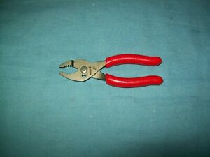 New Snap on 44acf 4 Long Red Vinyl Talon Grip Combination Slip Joint Pliers