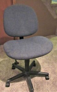 Swivel Computer Desk Chair Fabric Used Good Condition Pickup Only
