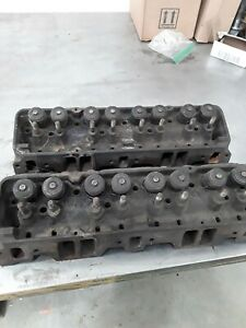 Sbc Pair Of 3890462 Small Block Chevy Cylinder Heads Camel Back Hp K146 K286