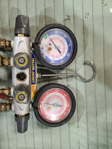 Yellow Jacket Brute Ii Manifold Gauges With Hoses