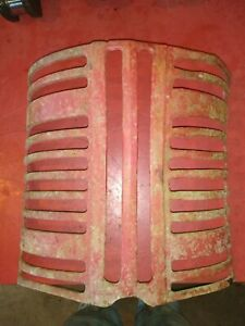 International Farmall 300 350 Utility Tractor Ihc Grille 362282r11