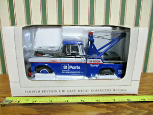 Gm Goodwrench Parts 1957 Chevy Wrecker By Speccast 1 25th Scale