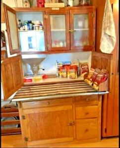Beautiful Oak Hoosier Cabinet With Flour Sifter And Bread Box