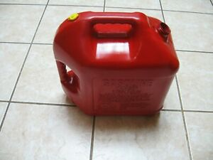 Old School Pre Ban Vented Blitz 5 Gallon Gas Can Vented For Fast Pour No Spout