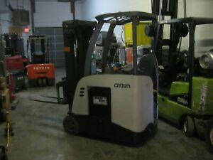 Crown Rc5530 30 Electric Forklift 3 Wheel Stand Up Forklift 3 000 Lb Capacity