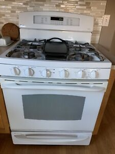 Ge Profile Free Standing Self cleaning Gas Convection Range With Baking Drawer