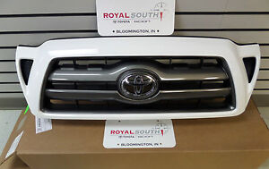 Toyota Tacoma 2005 2011 Super White Painted 040 Grille Genuine Oem Oe