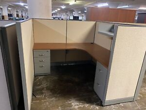 6 X 6 X 54 h Cubicles Workstations Partition System By Steelcase Kick