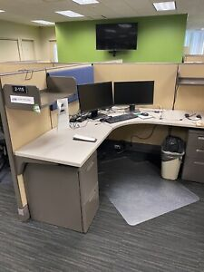 6 X 6 X 53 h Cubicle Workstation By Herman Miller A03