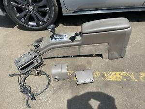2003 2011 Ford Crown Vic Sport Lx Marauder Center Console Lid Shifter Tan