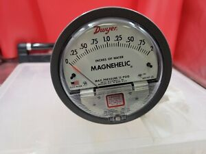 Dwyer Magnehelic 15psi Differential Pressure Gauge