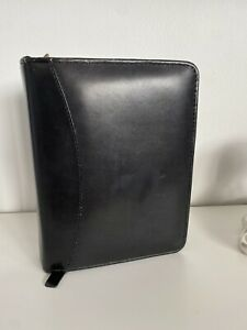 Franklin Quest Black Leather 6 Ring Zip Planner W hole Punch