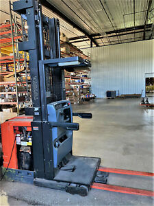 2011 Toyota 6 series Electric 3 000 Lb Capacity Order Picker Forklift Standup