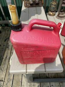 2 Gallon Gas Can Rubbermaid Vented Plastic Old Style