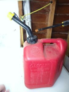 Vintage Blitz 2 Gallon 8oz Gas Can Self Venting Fast Pouring Spout And Cap