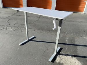 Multitable Manual Crank Stand Up Height Adjustable Workstation With Table Top