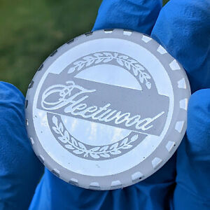 Chrome Wht Fleetwood Zenith Wire Wheel Chips Emblems Decals Set Of 4 Size 2 25in