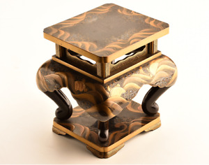 Antique Japanese Lacquer Maki E Turtles And Waves Vase Stand