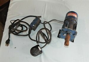 Dayton Gearmotor With Foot Switch Model 3m330 67 5 Rpm 55 In Lbs 1 15 Hp