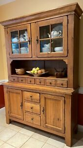 Broyhill Attic Heirlooms Buffet And Hatch Set