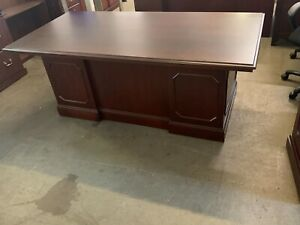 6 Ft Executive Desk By Jofco Office Furniture