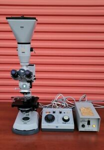 Carl Zeiss Microscope 47 30 11 9901 With And Light Source