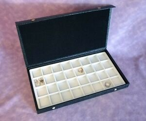 Textured Top 32 Earring jewelry Display Case White