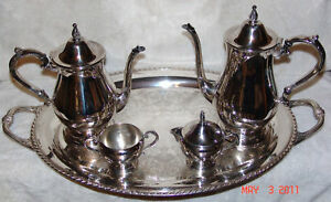 Tea Set By Wm A Rogers By Oneida Silverment