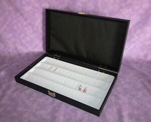 Traveling Earring Jewelry Display Case For 48 Earrings White
