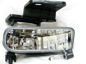 For 00 06 Suburban Tahoe 99 02 Silverado Fog Light Lamp R H Passenger Side New
