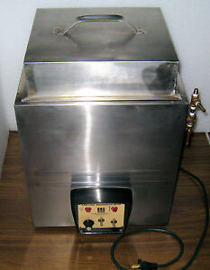 Water Bath Heated Labline Magnestir Model 3084 With High Top Cover
