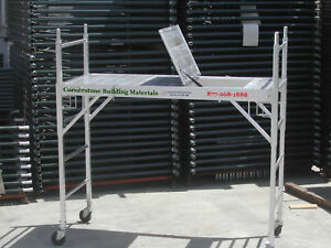 Aluminum Scaffold Rolling Tower With Aluminum Hatch Deck Double U Locks Cbm6930