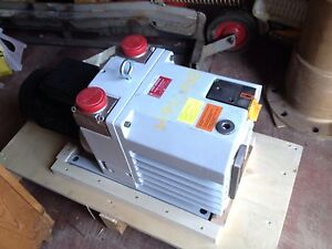 Pfeiffer Vacuum Pump Uno 035d 002 With Lafert Motor