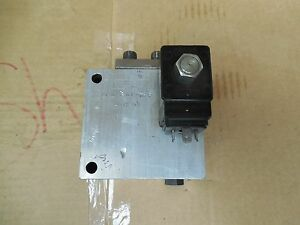 Integrated Hydraulic Limited Directional Valve 7sp300 12t 7sp30012t W 12 92 Used
